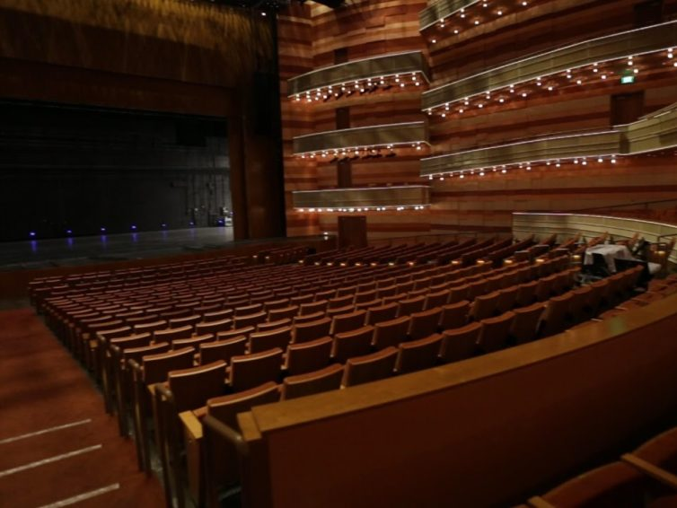 Moveable Black Dance Flooring is Vital For Theatre Artists And Dance Performances